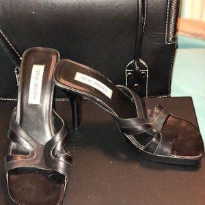 Steve Madden Black size 8 1/2 slide on heel